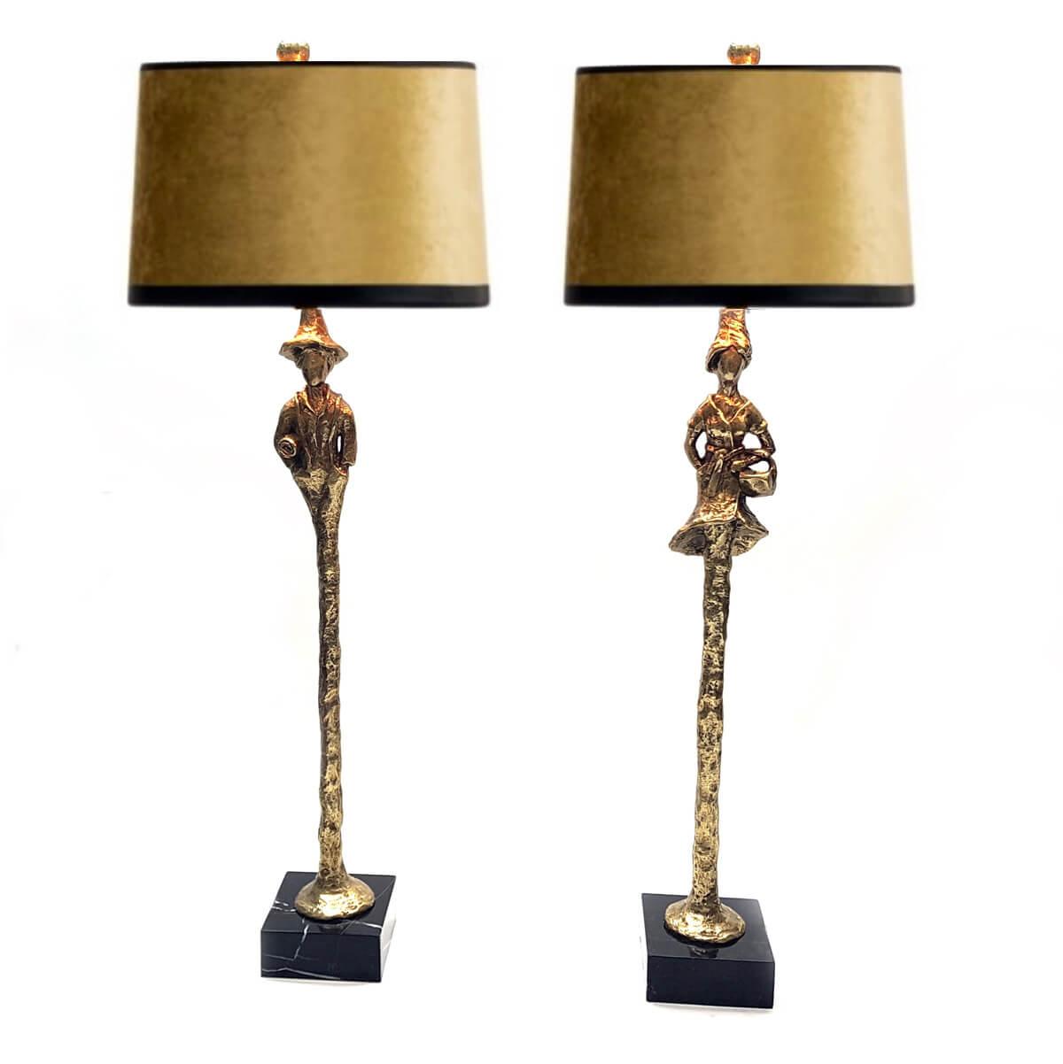 Bronzeleuchten auf Marmorsocke – Mann und Frau